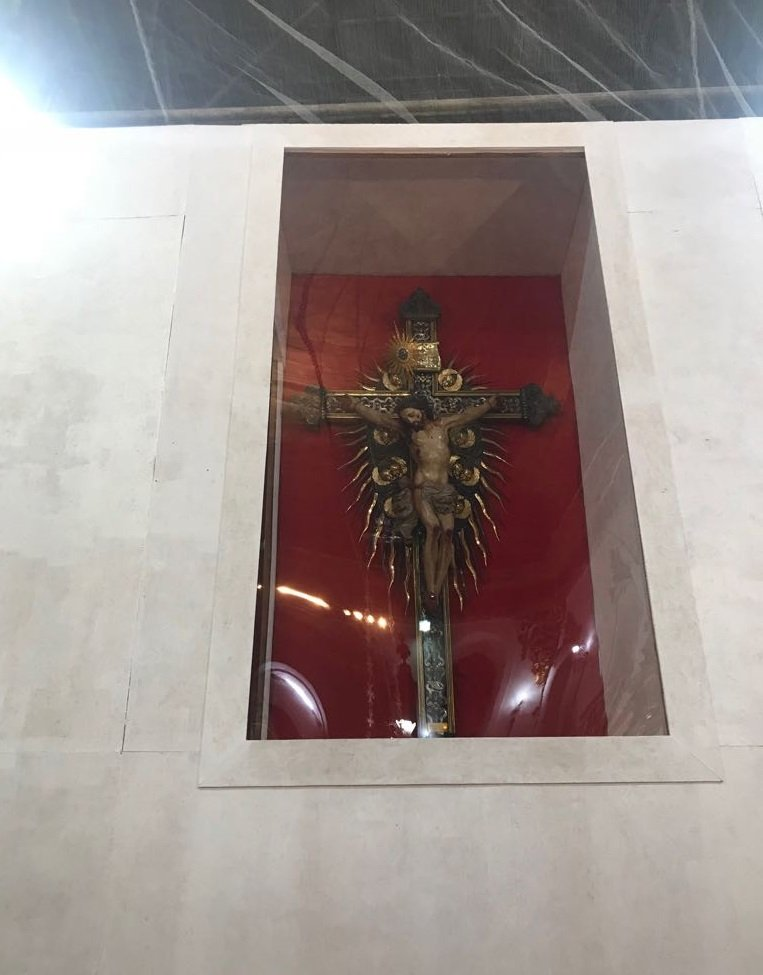 Veneranda Imagem do Senhor do Bonfim é transferida do Altar Mor para novo nicho na Basílica