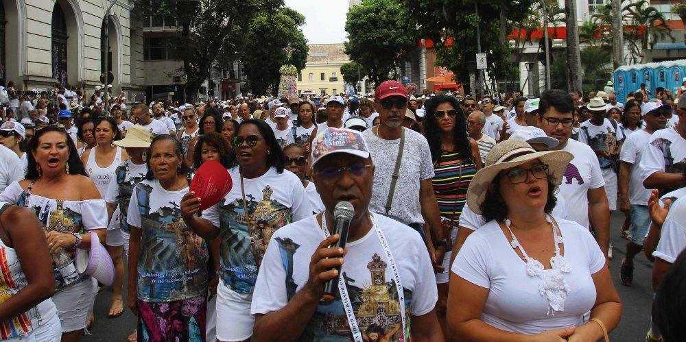 Milhões de devotos participam da Lavagem de Corpo e Alma nesta quinta-feira (11)