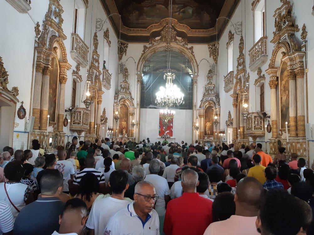 Santuário fica superlotado durante Missas no Dia dos Pais
