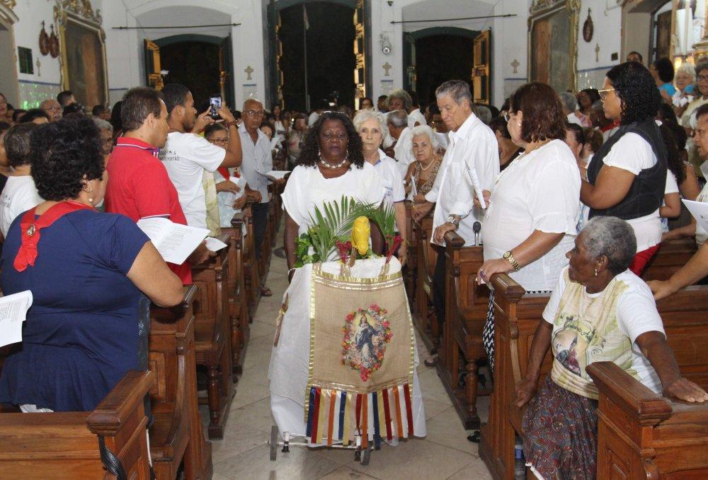 Devotos celebram penúltima noite da Novena em honra ao Senhor do Bonfim