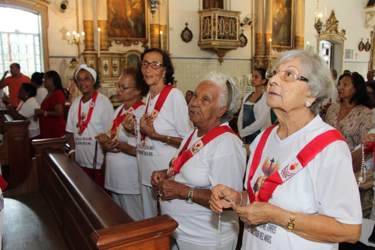 Fiéis celebram Festa do Sagrado Coração de Jesus na Basílica do Bonfim