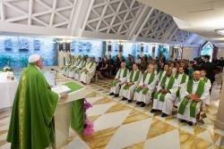 Os corruptos matam, a �nica sa�da � o arrependimento � o Papa em Santa Marta