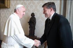 O horror do trabalho escravo e do tr�fico de seres humanos � o Papa na sua Mensagem � OIT
