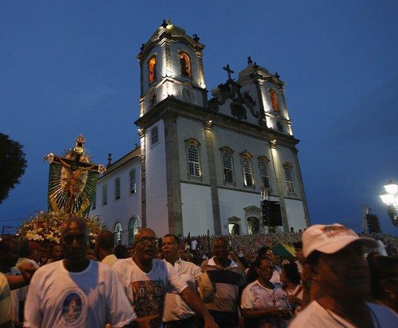 Fi�is cat�licos participam da 29� Caminhada Penitencial neste domingo (23)