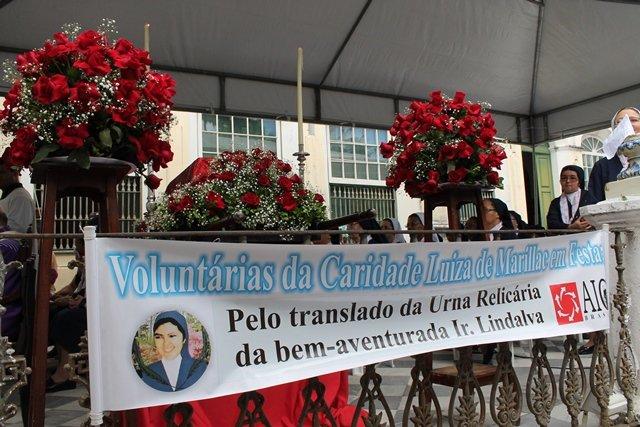 Rel�quias da Beata Lindalva Justo de Oliveira s�o trasladadas para capela