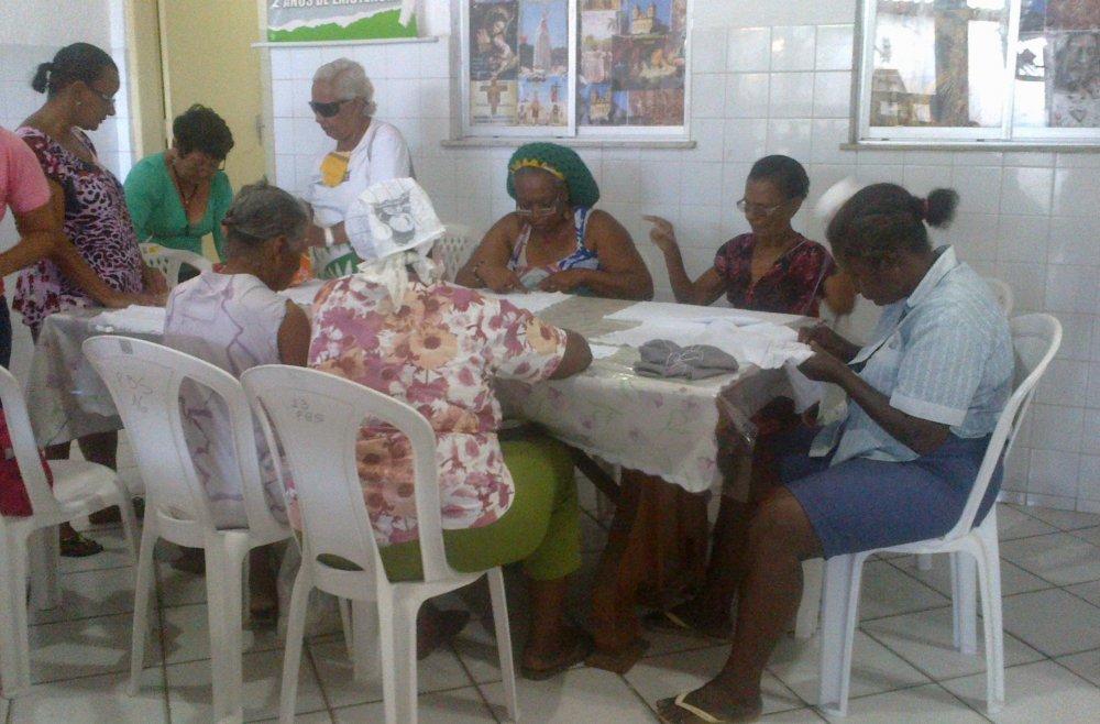 Assistidos pelo Projeto Bom Samaritano participam de oficinas