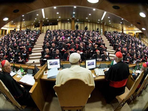 No S�nodo, bispos latino-americanos falam de machismo e viol�ncia