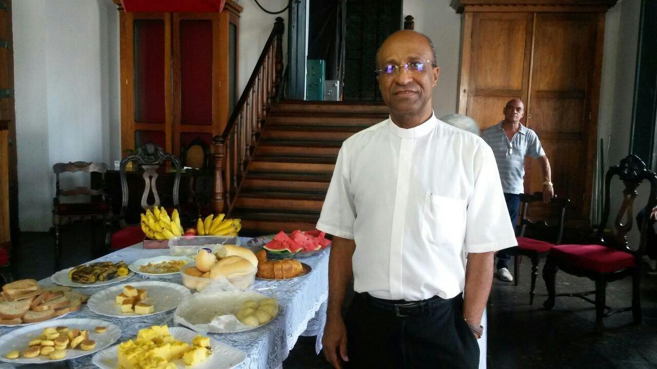 Reitor comemora anivers�rio de ordena��o sacerdotal