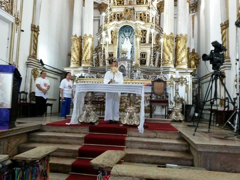 Adora��o ao Sant�ssimo Sacramento na Bas�lica Santu�rio