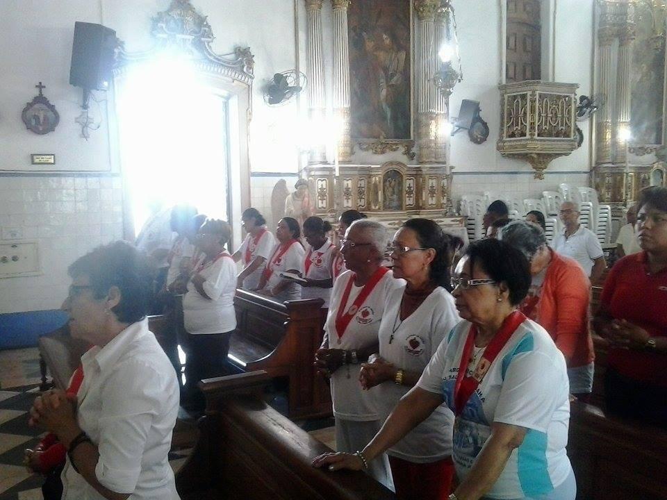 Missa re�ne membros do Apostolado da Ora��o