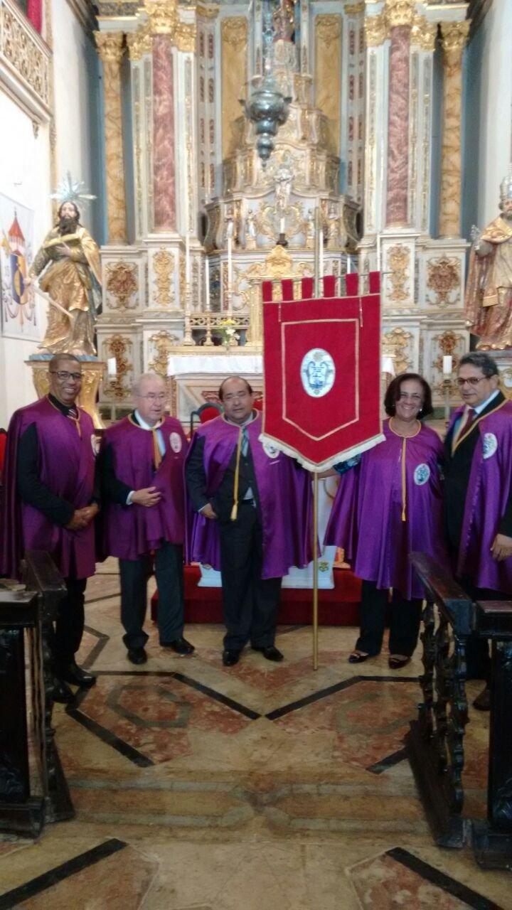 Devo��o participa de evento na Igreja de S�o Pedro dos Cl�rigos