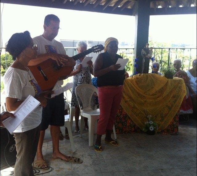 Assistidos do Projeto Bom Samaritano participam de festa junina