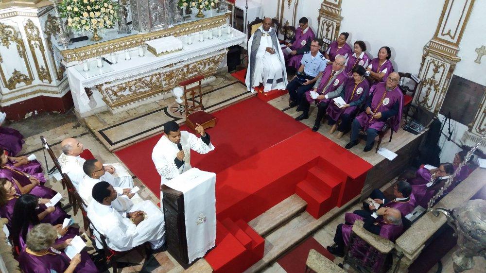 Pregador reflete sobre a hist�ria da apari��o de Nossa Senhora de Lourdes