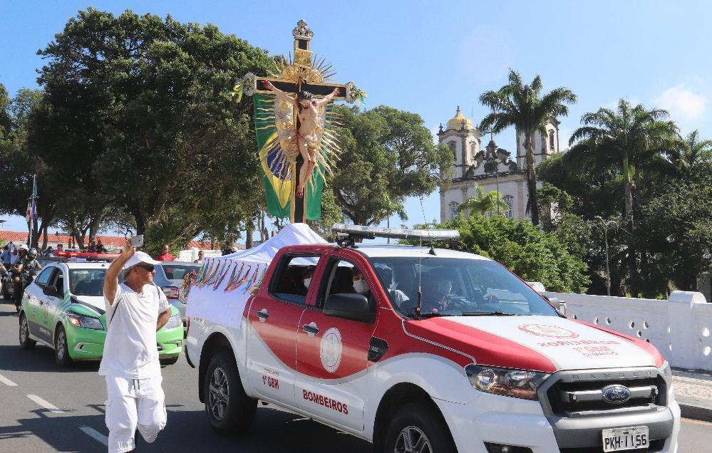 Saída da Imagem Peregrina do Senhor do Bonfim para percorrer ruas de Salvador