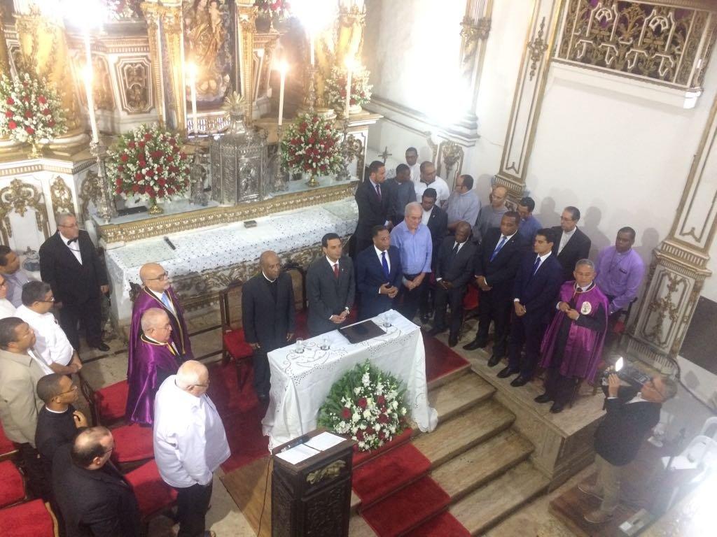 Sessão Solene de outorga da Medalha Thomé de Souza a Pe. Edson Menezes da Silva