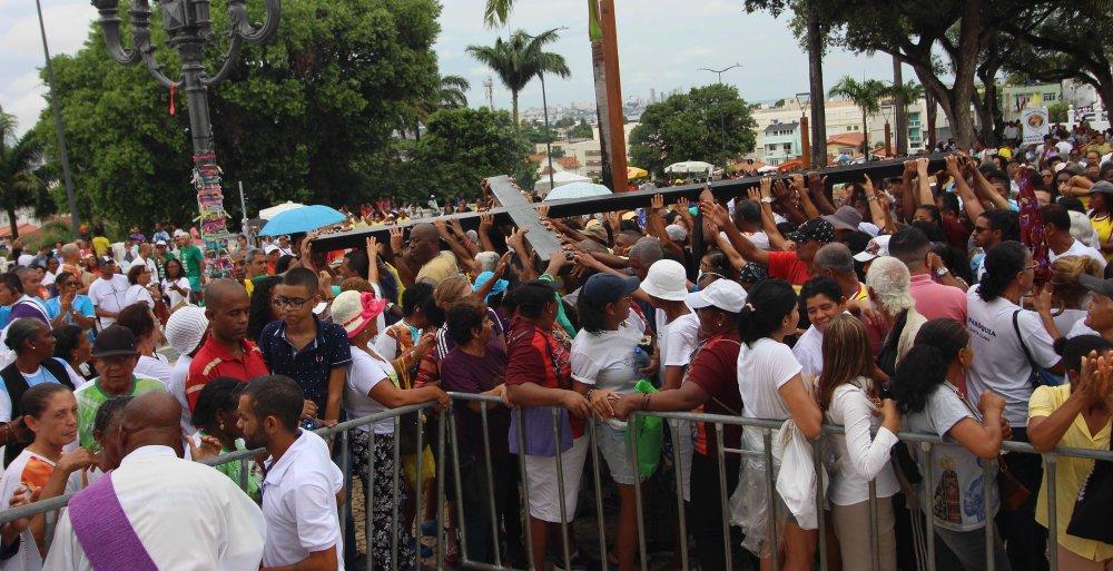 Participantes da Caminhada Penitencial foram acolhidos na Colina Sagrada