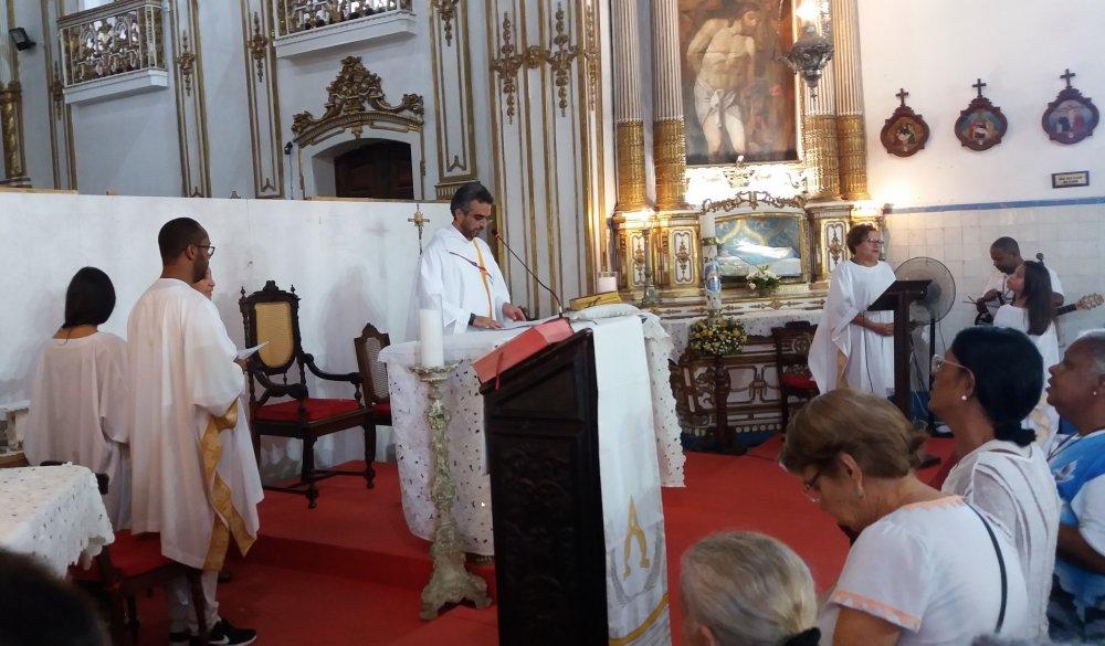 Basílica acolhe paroquianos da Paróquia Senhor do Bonfim e Santa Rita, de Planalto (BA)