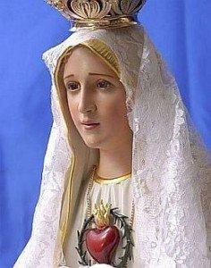 Cat�licos celebram o dia de Nossa Senhora de F�tima