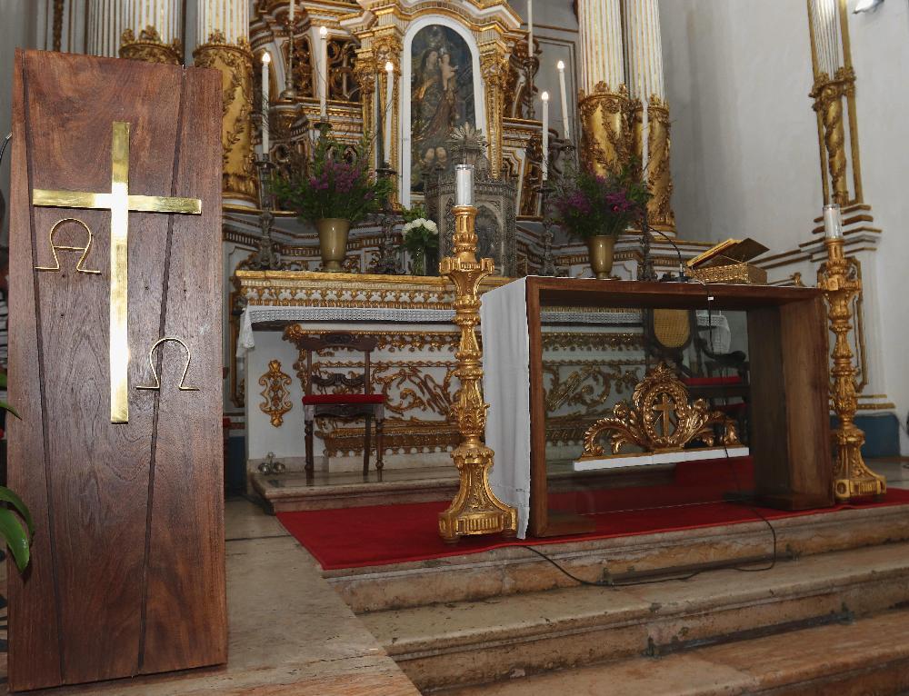 Missa - Rito de dedicação do Altar e entrega do novo Ambão da Basílica do Bonfim