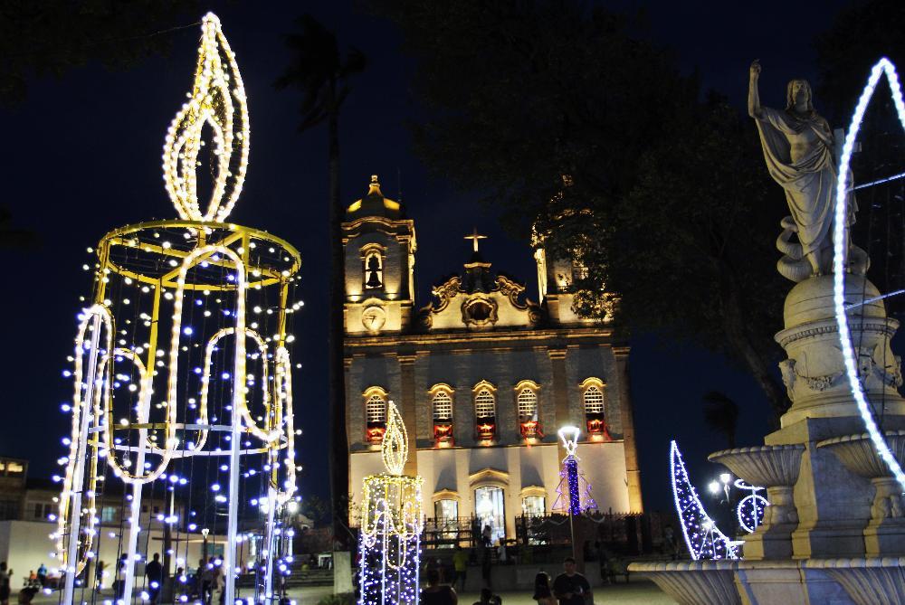Iluminação de Natal na Praça do Bonfim