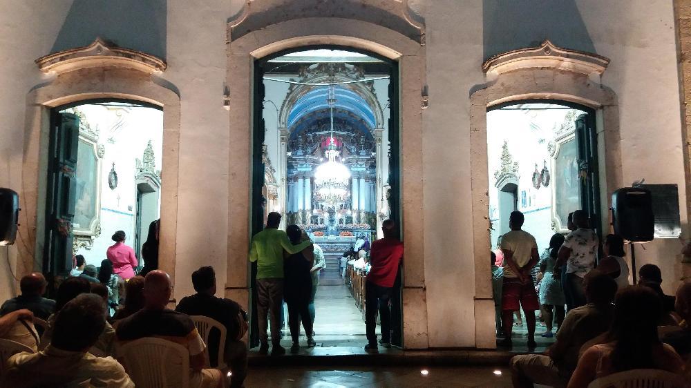 Basílica Santuário acolhe devotos do Senhor do Bonfim na segunda noite da Novena
