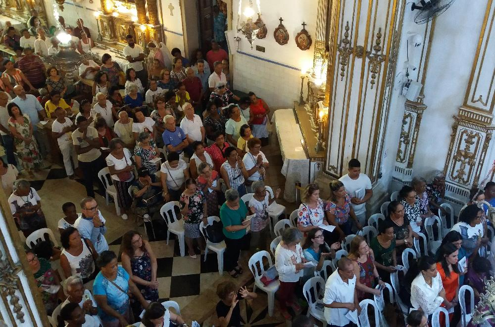 Sexta noite da Novena reúne devotos, peregrinos e comunidade no Bonfim