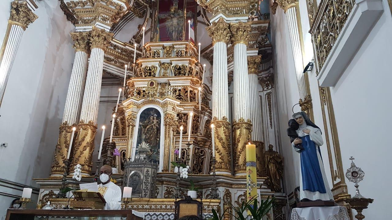 Basílica do Bonfim recebe visita da Imagem Peregrina de Santa Dulce dos Pobres