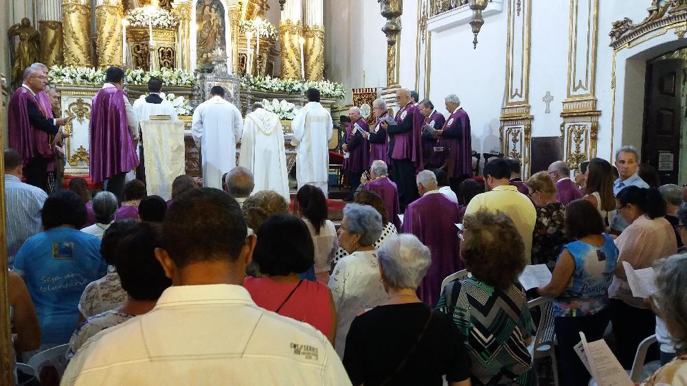Fiéis da Paróquia de Nossa Senhora da Boa Viagem, de Dias D'Ávila, participam de Novena no Bonfim