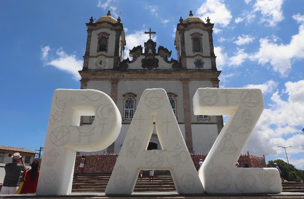 Basílica do Bonfim inaugura obra de arte em favor da paz entre as religiões